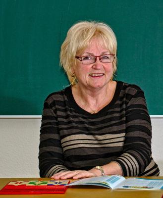 Die Gründerin und Geschäftsführerin der Alpha-Lernhilfe Dresden und seit Jahren erfolgreiche LRS-Therapeutin Inge Hertel.