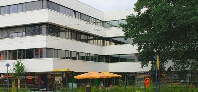 Alpha Lernhilfe in Dresden Klotzsche im Gesundheitszentrum (Außenansicht)